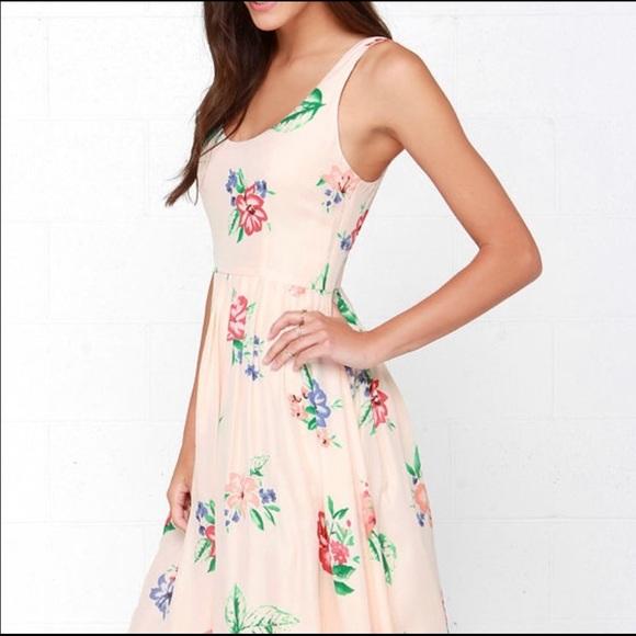 BB Dakota Dresses & Skirts - BB DAKOTA floral dress